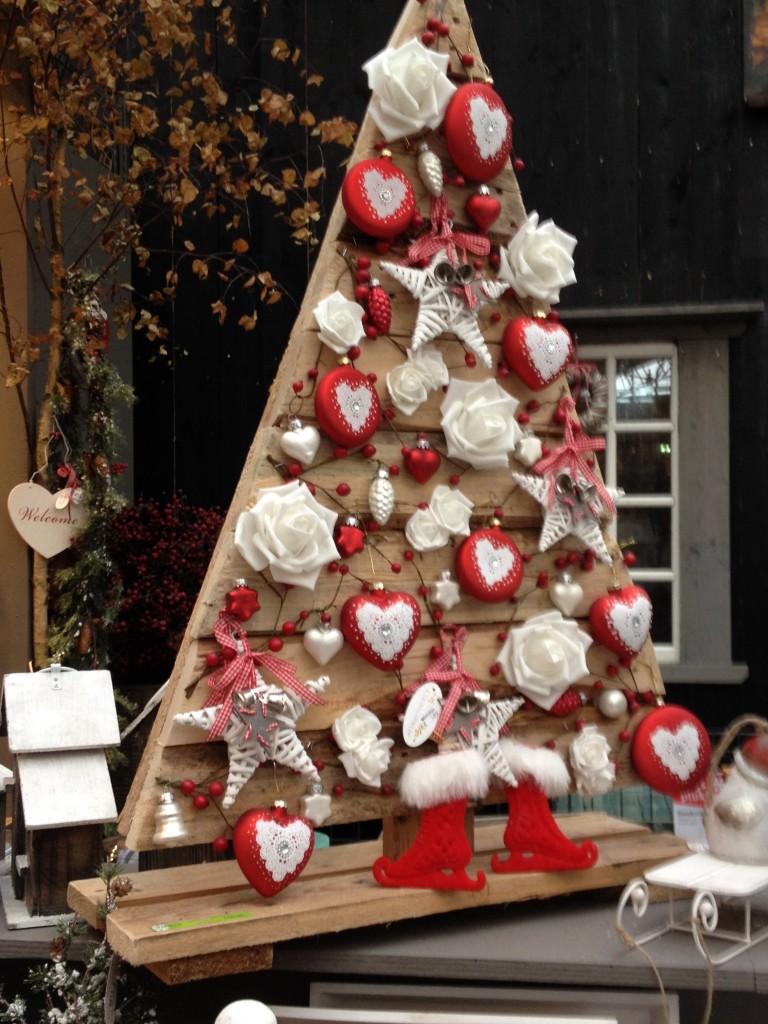 rode houten kerstboom