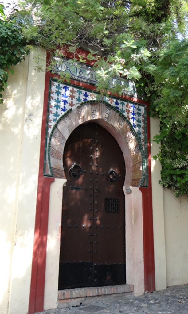 spaanse deur tegels