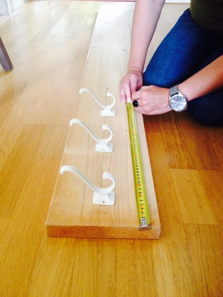 Plank Muur Bevestigen.Plank Bevestigen Augustus Sjoerd Schrijver Braun Actie Ort Let Er