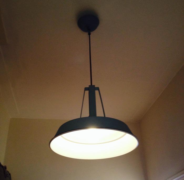 Mini make over industriele lampen op de overloop - Houten lamp vloot huis van de wereld ...