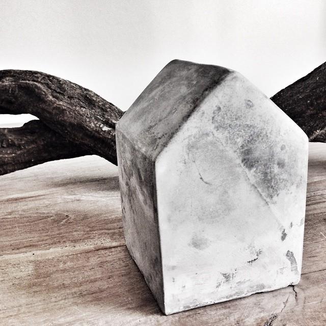 beton huisje Xenos