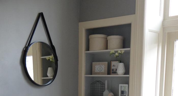 zelfgemaakte spiegel in huis