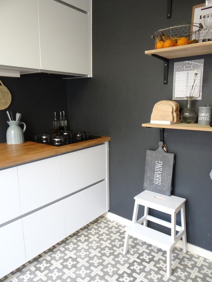 Krijtbord Achterwand Keuken : keukenhoek grijze verf