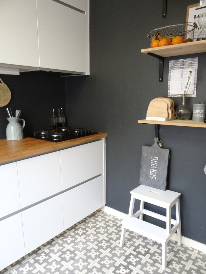 Krijtbord achterwand keuken - Verf keuken lichtgrijs ...