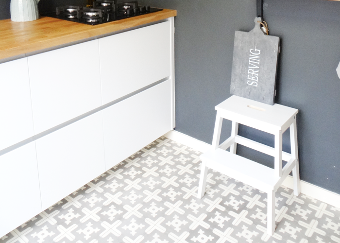 Tegelvloer Keuken Leggen : Keukenvloer: Van Portugese tegels tot beton