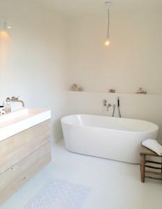 gietvloer badkamer - LiveLoveHome
