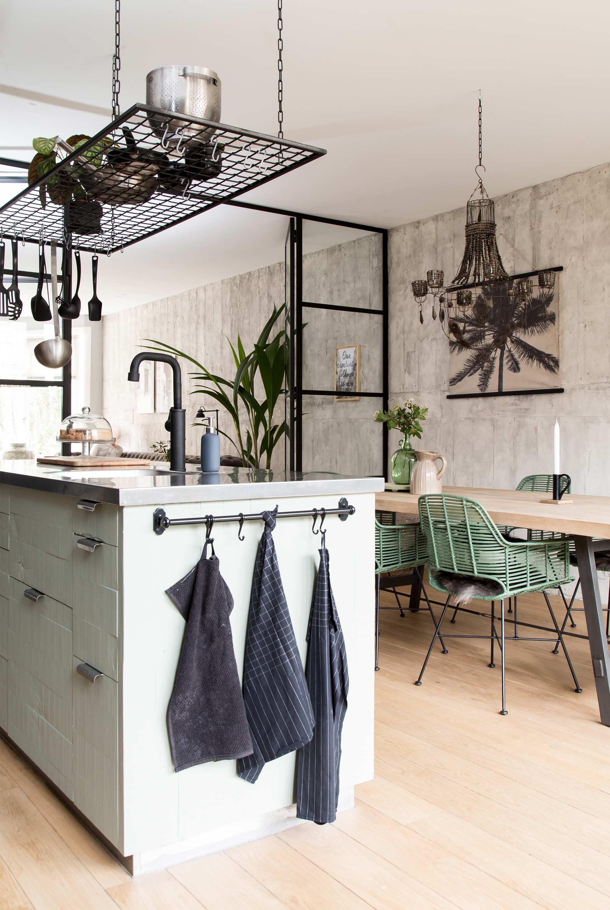 Onze nieuwe keuken livelovehome for Huiskamer design
