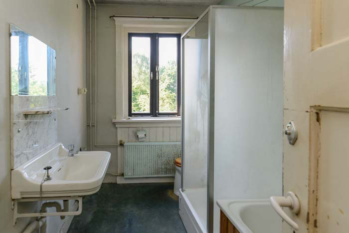 Luxe Badkamerspecialist ~ oude badkamer