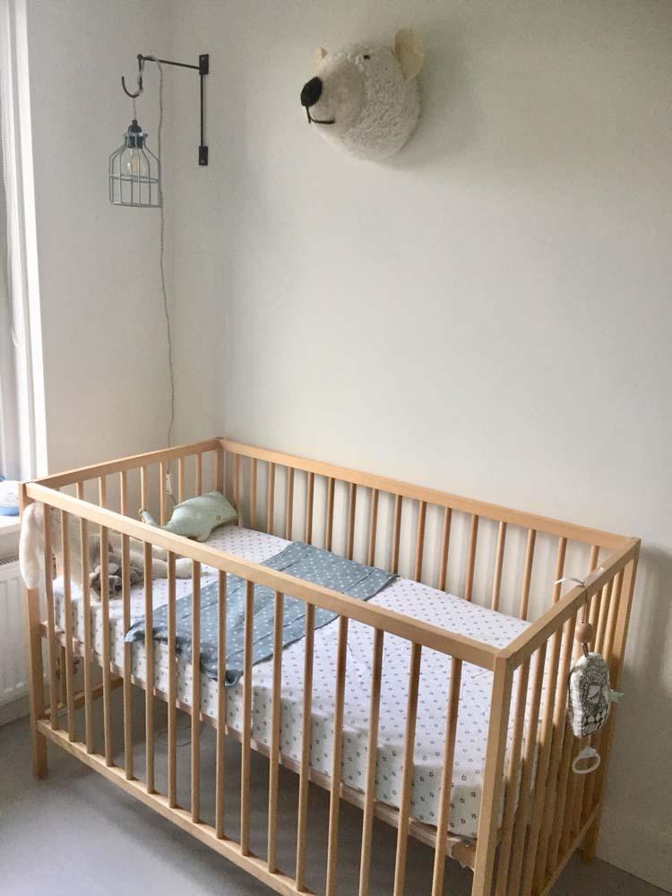 ikea houten babybedje