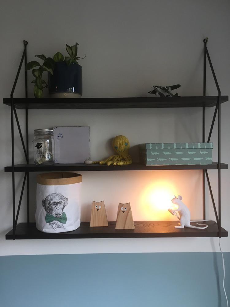 lampje op wandkast